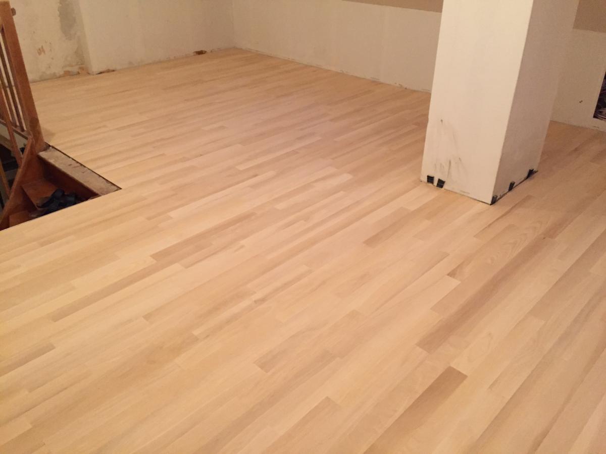 ist verkauft bitte schliessen 55m massives parkett amerikanisches ahorn verkaufe diverses. Black Bedroom Furniture Sets. Home Design Ideas
