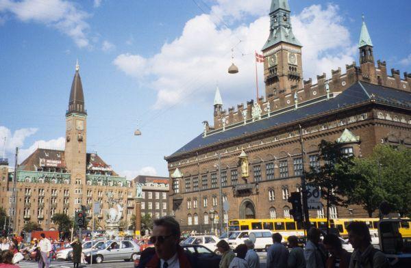 Vespa reisen planet erde ganz oben 1995 dk fi s n for Jugendherberge kopenhagen
