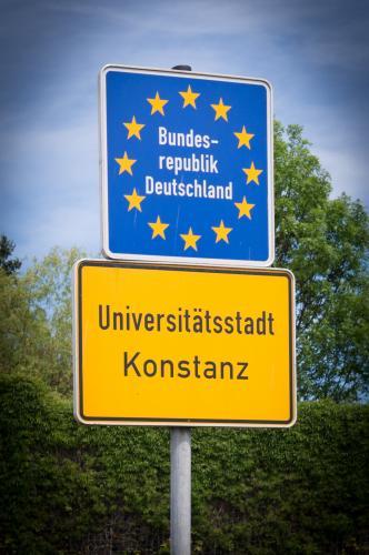 Friedrichshafen: Kaffee-Flatrate und Verspätungs-SMS: Im grünen Bus ...