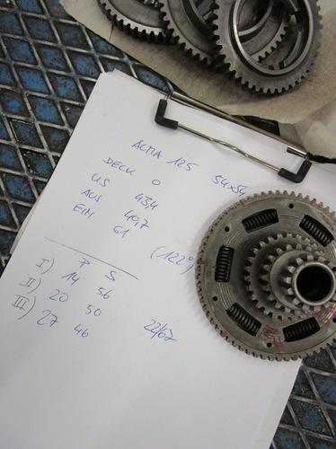 ACMA 125 Steuerzeiten Getriebe.JPG