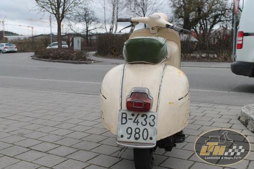 motovespa-150s-2-serie-bj-64~5.jpg