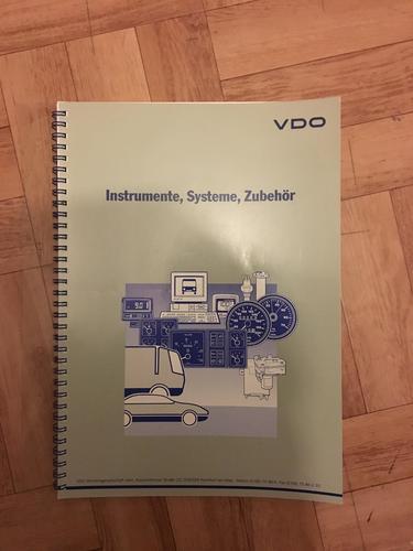 VDO-Katalog_1992_01.thumb.JPG.6362085296bfb2bd6f28ac0f895e4088.JPG