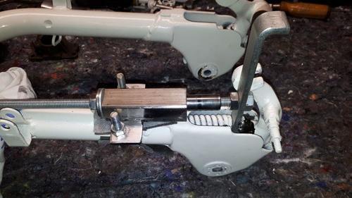 Lambretta-fork-link-compressor.jpg