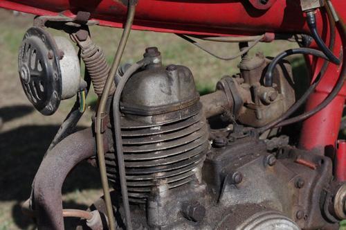 Motom_2.thumb.JPG.411c938135ddb5673ed9d1f0f9ca51e7.JPG