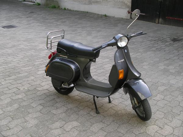 1000 ideas about vespa 50 on pinterest vespa vespa 50. Black Bedroom Furniture Sets. Home Design Ideas